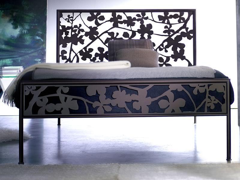 franz sisches bett aus eisen verschiedene vorr tige farbe flower 120 sediarreda. Black Bedroom Furniture Sets. Home Design Ideas