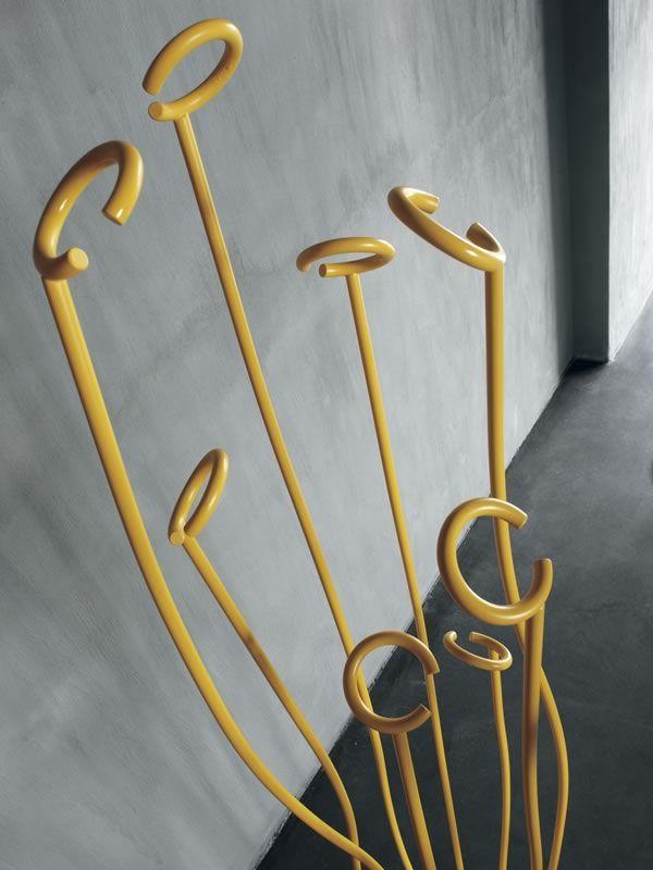 7416 Alga: Appendiabiti design in metallo laccato di Tonin Casa, diversi colo...