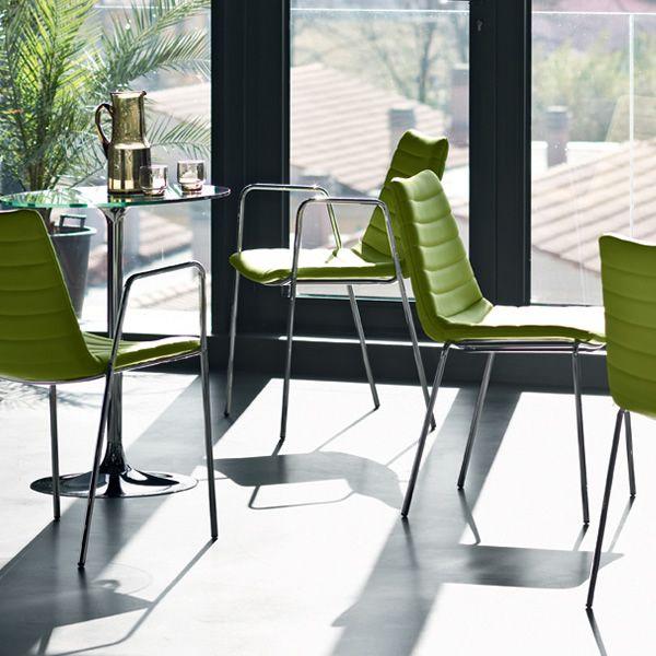 Md144 per bar e ristoranti sedia in metallo diversi for Sedie imbottite moderne