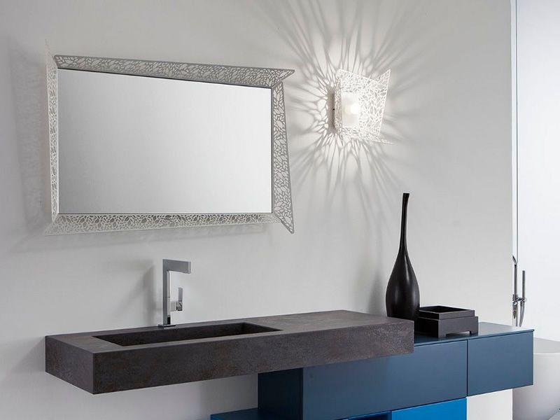 leaf c spiegel mit leucthendem metallrahmen led. Black Bedroom Furniture Sets. Home Design Ideas