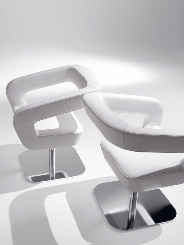 Shape poltrona design di tonon girevole in pelle o for Poltrona girevole design