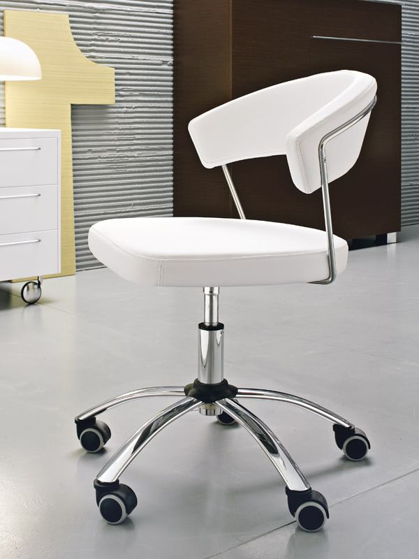 cs624 new york chaise bureau calligaris tournante et r glable en cuir ou gummy sediarreda. Black Bedroom Furniture Sets. Home Design Ideas