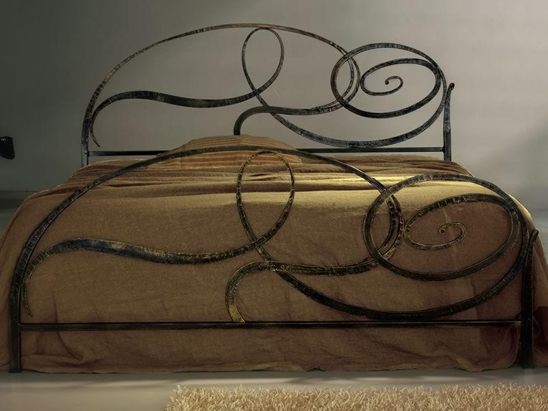 Capriccio lit double en fer forg disponible en diff rentes finitions sed - Lit en fer forge noir ...