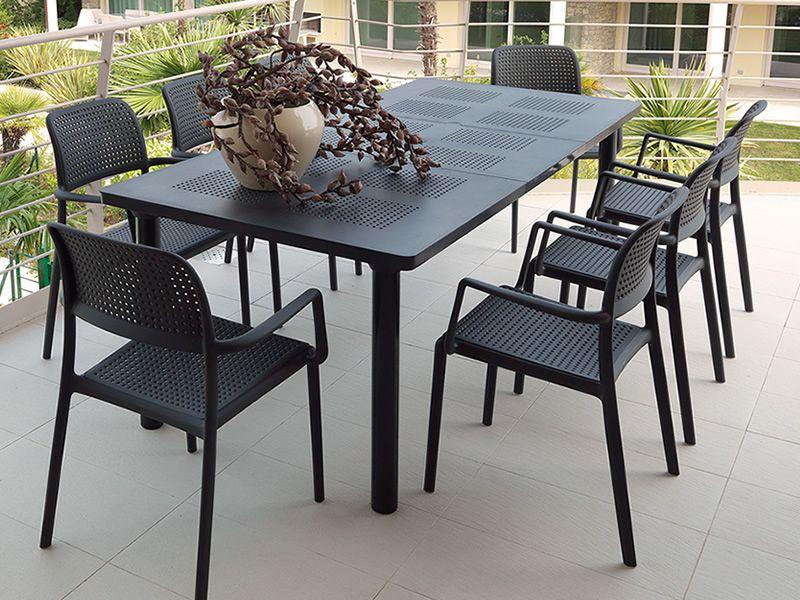 Libeccio tavolo allungabile in metallo piano in resina - Sedie in resina da giardino ...