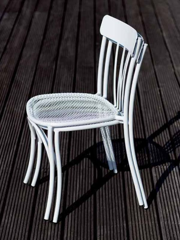 stapelbarer gartenstuhl aus metall verschiedene farben. Black Bedroom Furniture Sets. Home Design Ideas