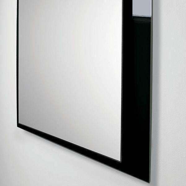 Line q: Specchio con cornice in vetro colorato, 80 x 90 cm - Sediarreda