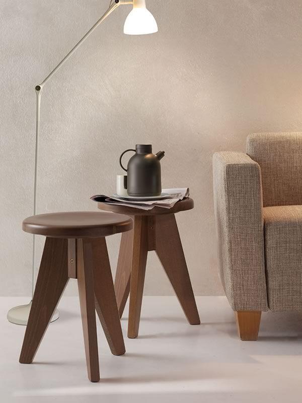 Taburete bajo r stico de madera de haya diferentes for Taburetes de madera rusticos
