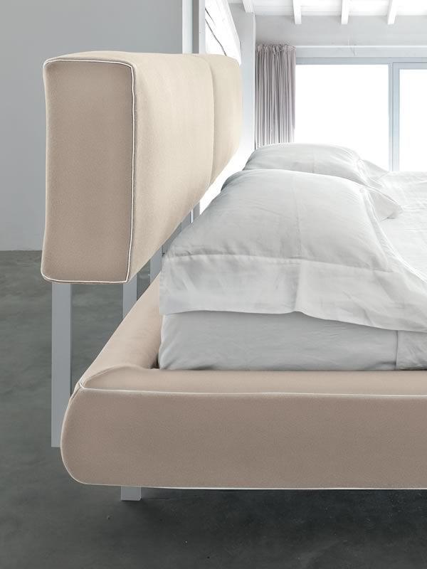 7866 cloud cama de matrimonio acolchada tonin casa for Cama reclinable