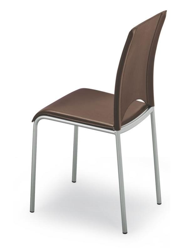 363 sedia in metallo con seduta e schienale in cuoio for Sedie cuoio rigenerato