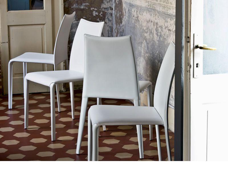 Md005 sedia di design rivestita in cuoio disponibile in - Tavolo antico sedie moderne ...