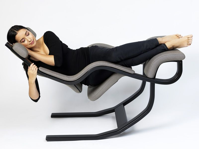 Gravity balans poltrona ergonomica gravity balans di for Sedia ufficio varier