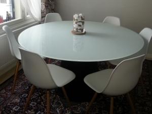 Tavoli tondi pi ospiti meno ingombro sirkku da jarvenpaa finlandia sediarreda - Tavoli rotondi da esterno ...