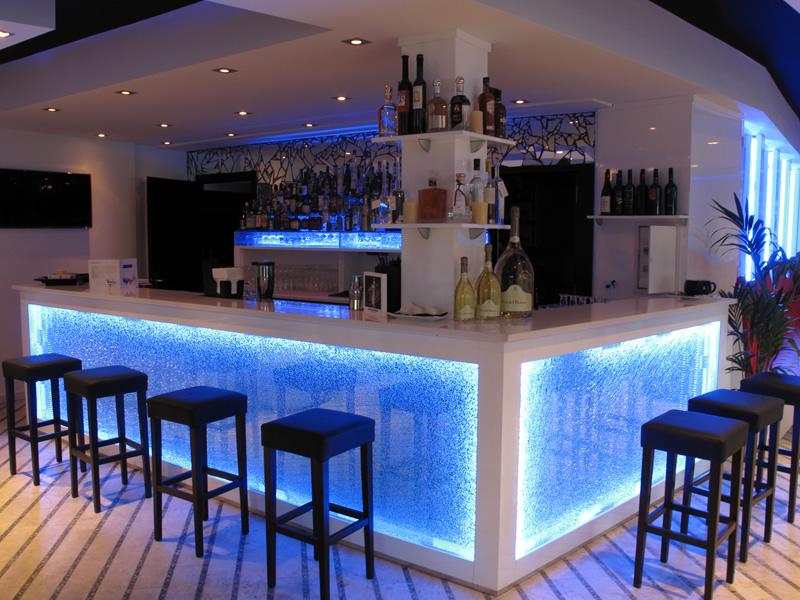 Lounge cafè und cocktailbar in lugano: martini lounge cafè via