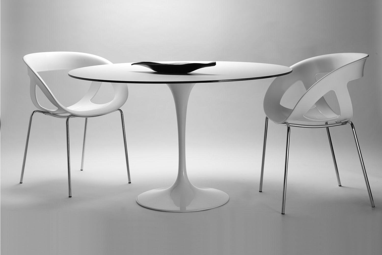 Saturno tavolo di design con base in alluminio e piano for Tavolo rotondo bianco design