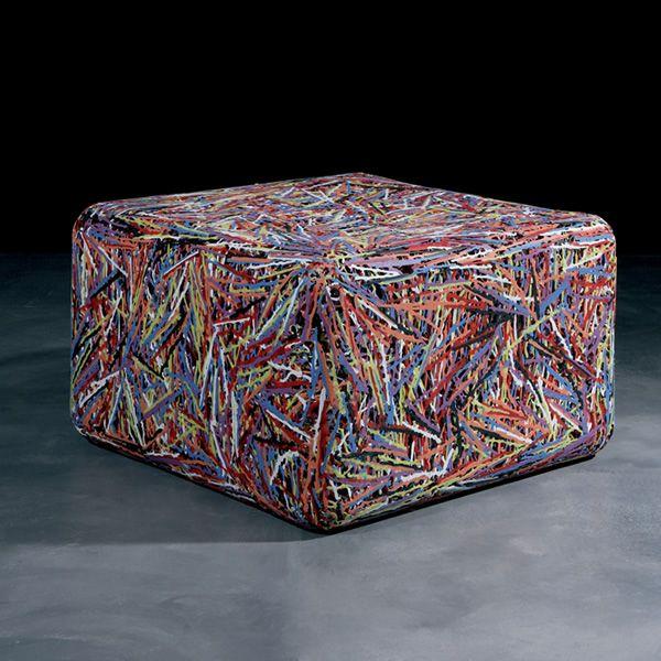 Zoe pouf aus kunststoff in der farbe weiss oder multicolor auch f r den garten sediarreda for Kunststoff tiere fur garten