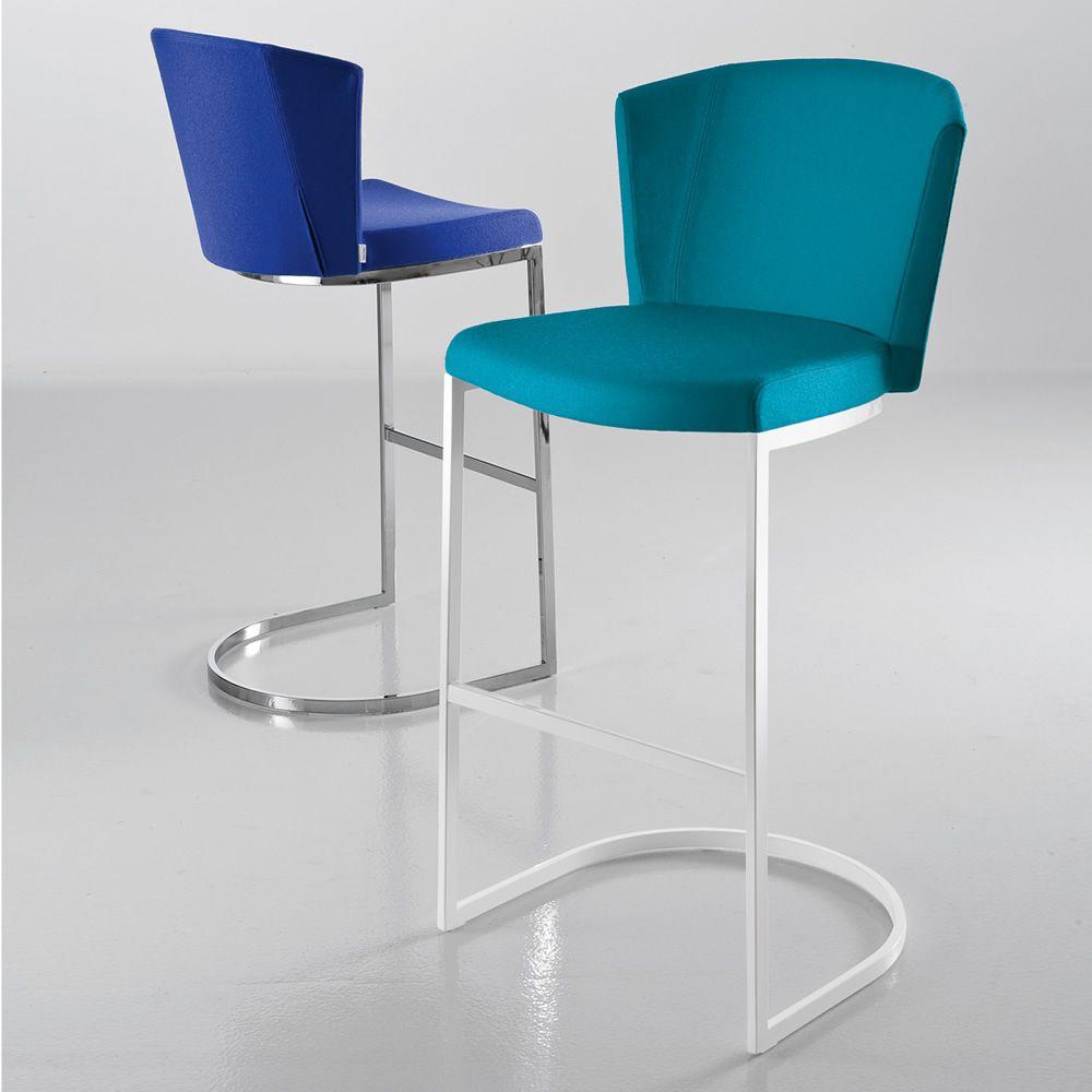 so chic sg designer hocker von chairs more aus metall. Black Bedroom Furniture Sets. Home Design Ideas