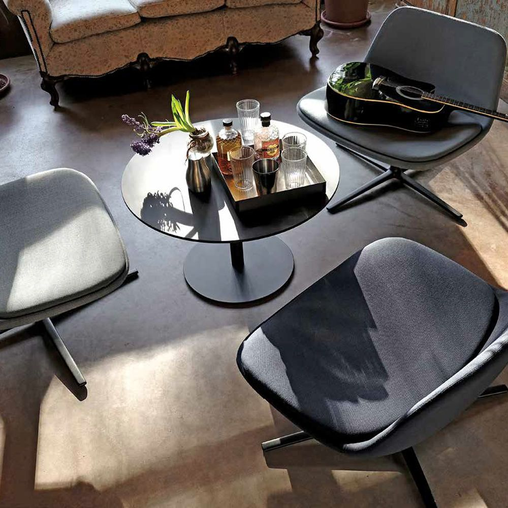 round infiniti round coffee table in metal top in laminate fenix or corian different. Black Bedroom Furniture Sets. Home Design Ideas