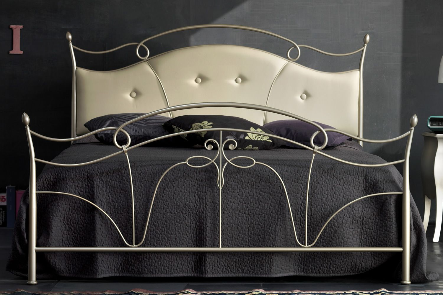 venus 4 lit double en fer forg avec t te du lit. Black Bedroom Furniture Sets. Home Design Ideas