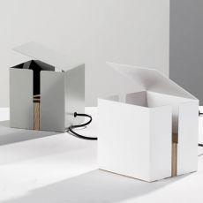 Box - Lampada da tavolo Universo Positivo in metallo e legno, diversi colori disponibili