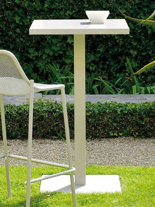 round a table haute emu en m tal pour jardin plan de travail carr hauteur 105 cm sediarreda. Black Bedroom Furniture Sets. Home Design Ideas