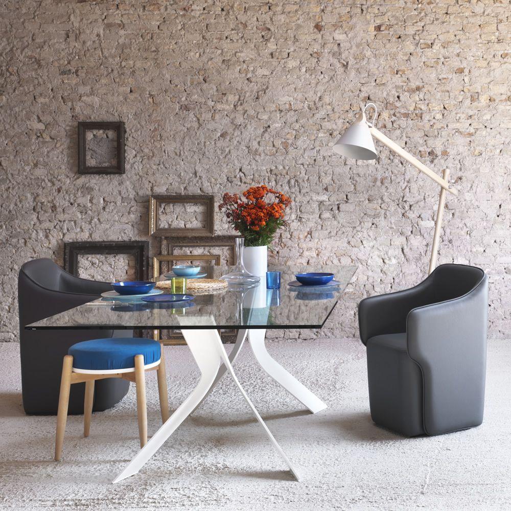Bipede tavolo miniforms in metallo piano in vetro diverse dimensioni disponibili sediarreda - Tavolo con sedie diverse ...