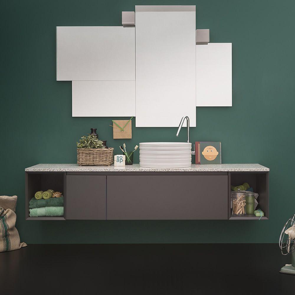 45 C | Mobile bagno laccato grigio polvere opaco con piano in marmo, abbinato allo specchio Random