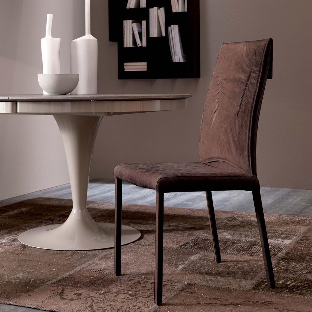 Luxy silla moderna de m tal asiento tapizado en piel for Sillas modernas vintage