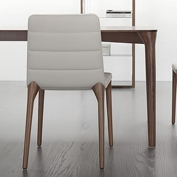 Pit design stuhl von tonon gepolstertes holz for Design stuhl leder