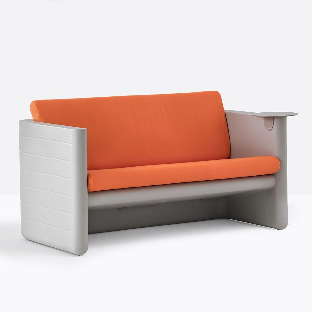 sunset 626 f r bars und restaurants sofa f r bars aus polyethylen 2 sitzer in verschiedenen. Black Bedroom Furniture Sets. Home Design Ideas