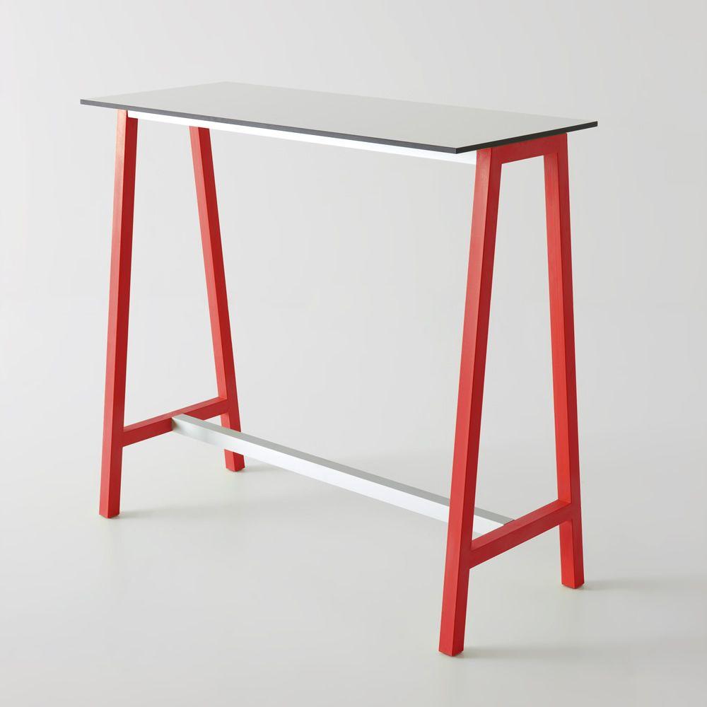 Step f r bars und restaurants hoher tisch mit for Tisch mit metallgestell
