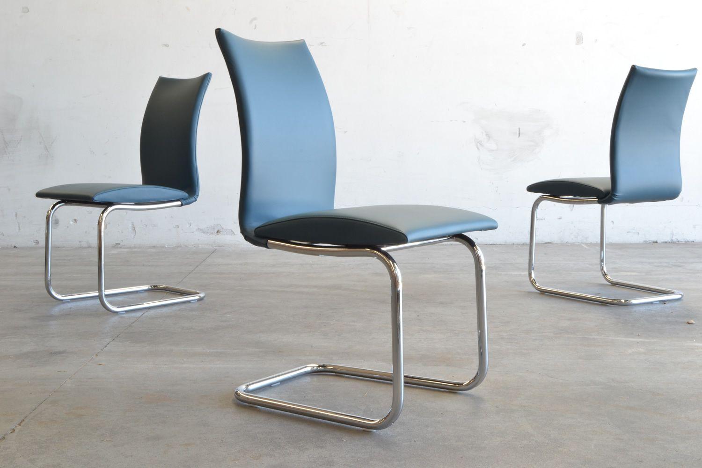 ... Swing Round   Stuhl Mit Poliertem Stahlgestell Un Sitz Aus Blauem Leder  ...