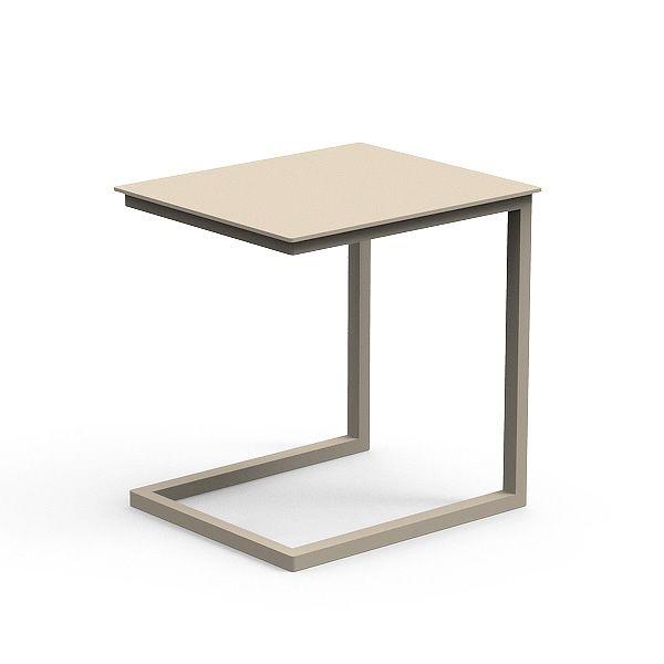 Chic d divano con chaise longue per giardino anche con tavolino sediarreda - Tavolino da divano per pc ...