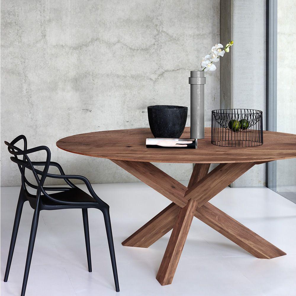 circle tavolo rotondo ethnicraft in legno diverse. Black Bedroom Furniture Sets. Home Design Ideas