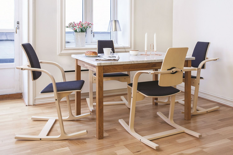 actulum actulum stuhl vari r mit armlehnen in verschiedenen farben verf gbar sediarreda. Black Bedroom Furniture Sets. Home Design Ideas