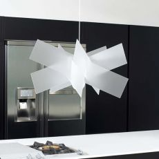 Kartika - Suspension lamp with metacrylate lampshade, available in different colours