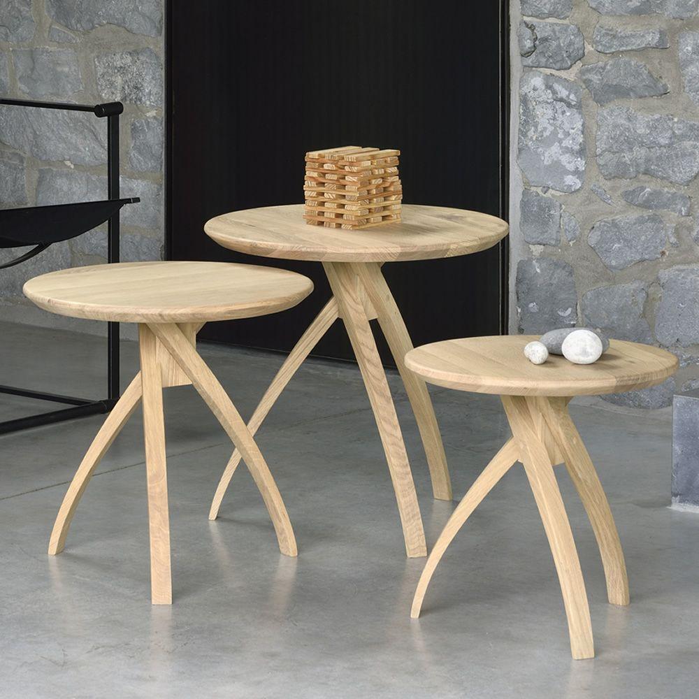 Tavolo Legno Rovere Naturale.Twist Tavolino Rotondo Ethnicraft In Legno Diverse Misure