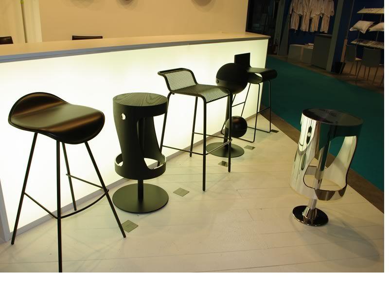 Hocker Holz HOhenverstellbar ~   Drehhocker, Sitz aus Holz oder zweifarbigem Laminat  Sediarreda