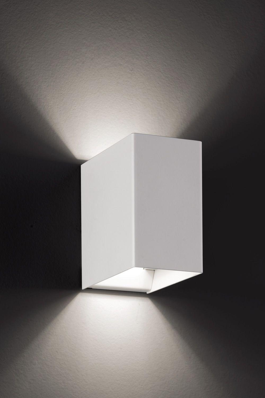 Laser cube lampada a parete di design in metallo con luce led disponibile in diversi colori - Lampade da parete di design ...