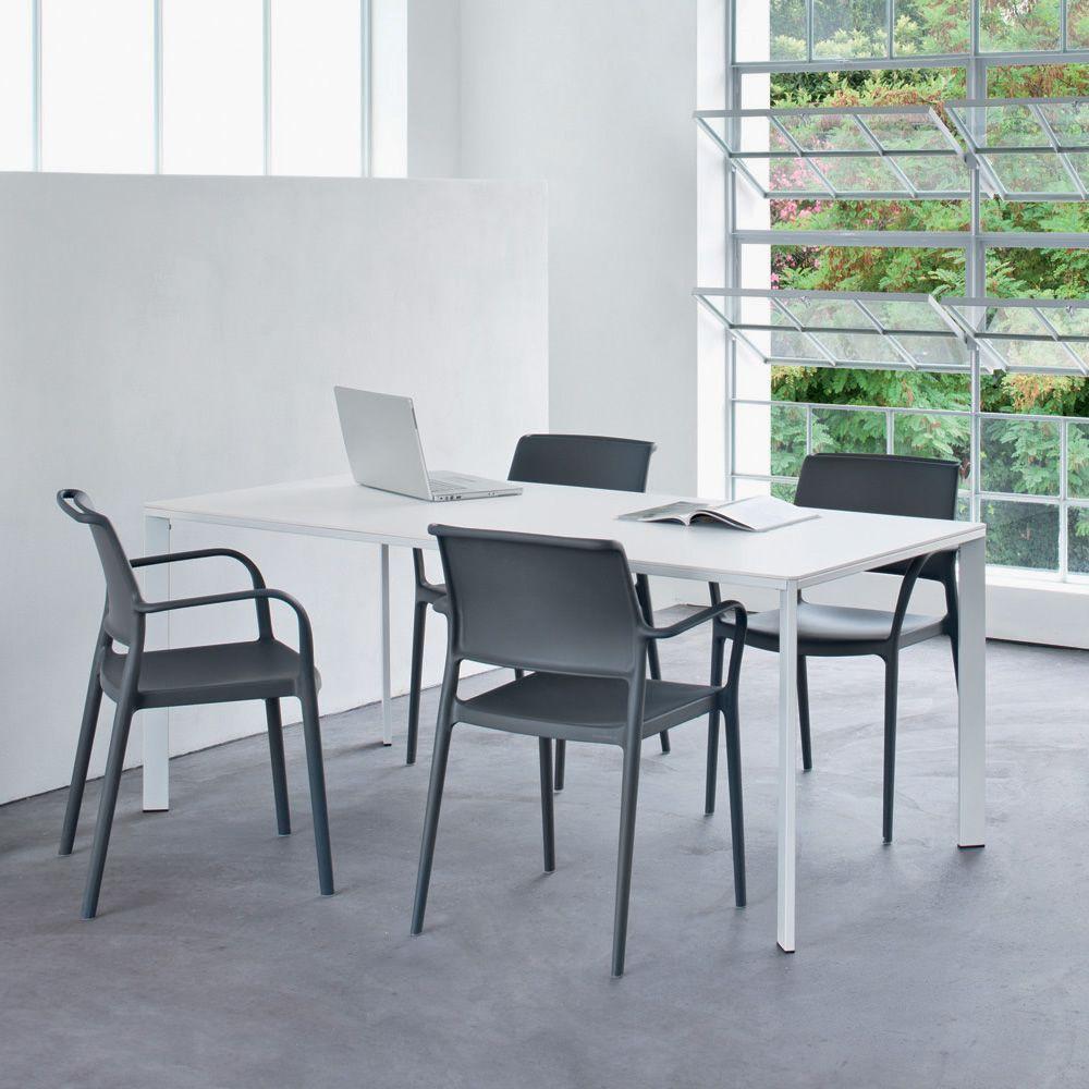 logico table fixe pedrali en acier et stratifi garantie pour l 39 ext rieur sediarreda. Black Bedroom Furniture Sets. Home Design Ideas