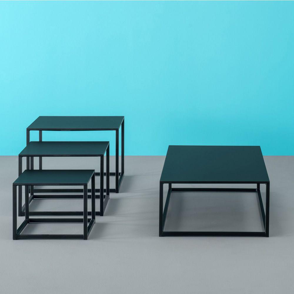 code designer beistelltisch pedrali aus metall mit. Black Bedroom Furniture Sets. Home Design Ideas