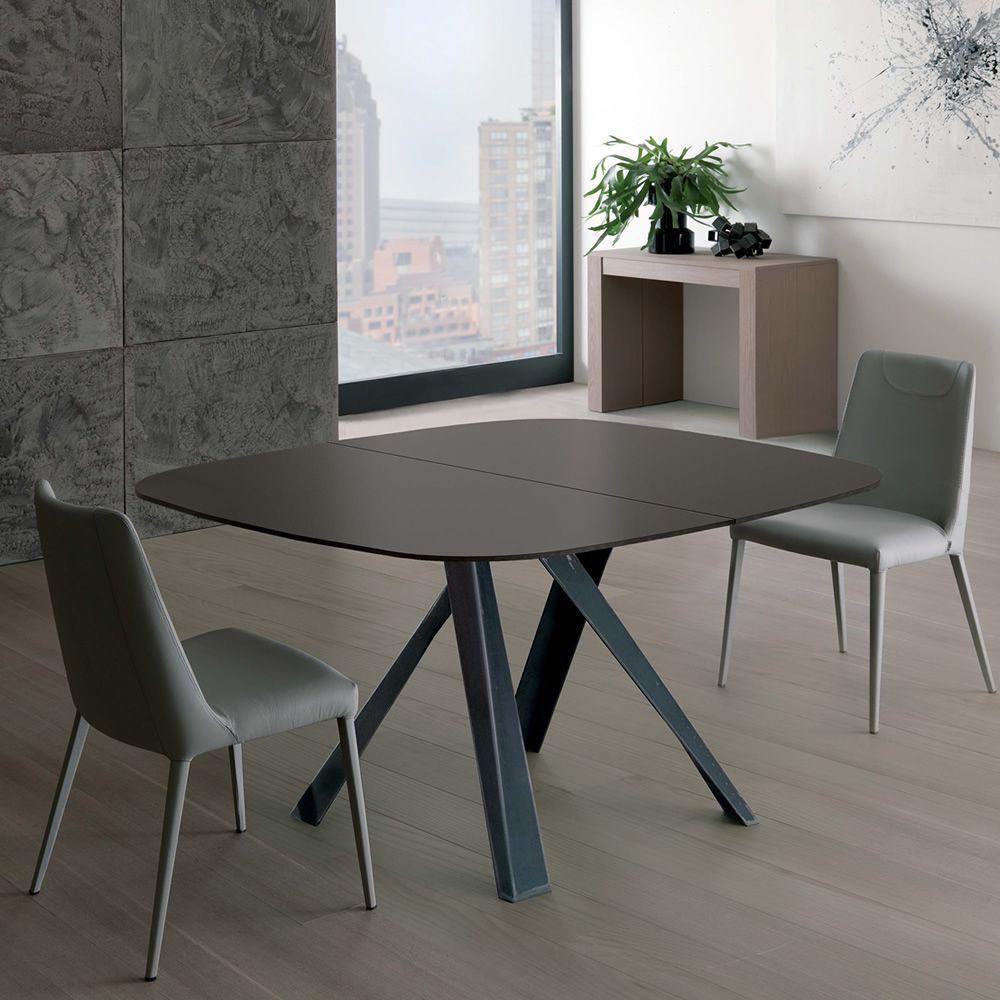 Bombo - Tavolo moderno in metallo, piano in cristallo, anche allungabile, disponibile in diversi ...