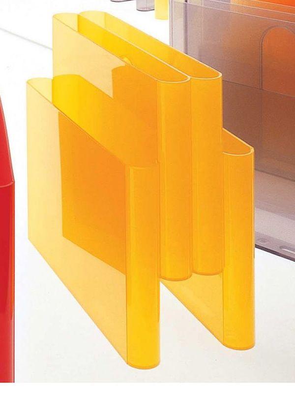 magazine rack porte revue kartell diff rentes couleurs aussi pour jardin sediarreda. Black Bedroom Furniture Sets. Home Design Ideas