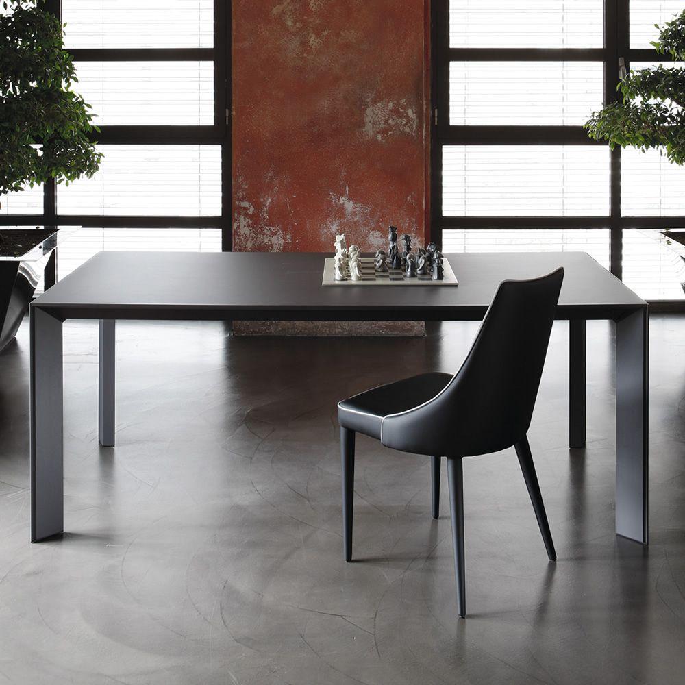 Genio tavolo di design bontempi casa in alluminio con - Tavolo in vetro nero ...