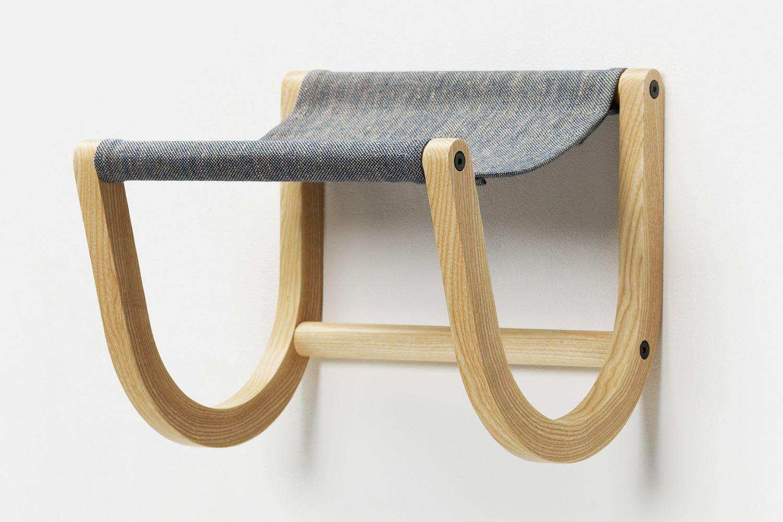 ren wandhalter f r fahrrad aus holz und stoff in verschiedenen farben verf gbar sediarreda. Black Bedroom Furniture Sets. Home Design Ideas