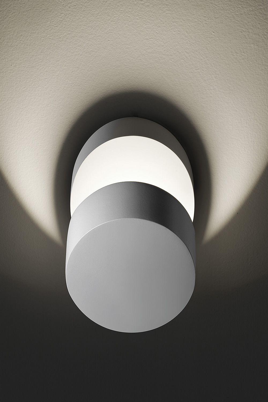 Pin up lampada a parete di design orientabile in metallo con luce led disponibile in - Lampada parete design ...