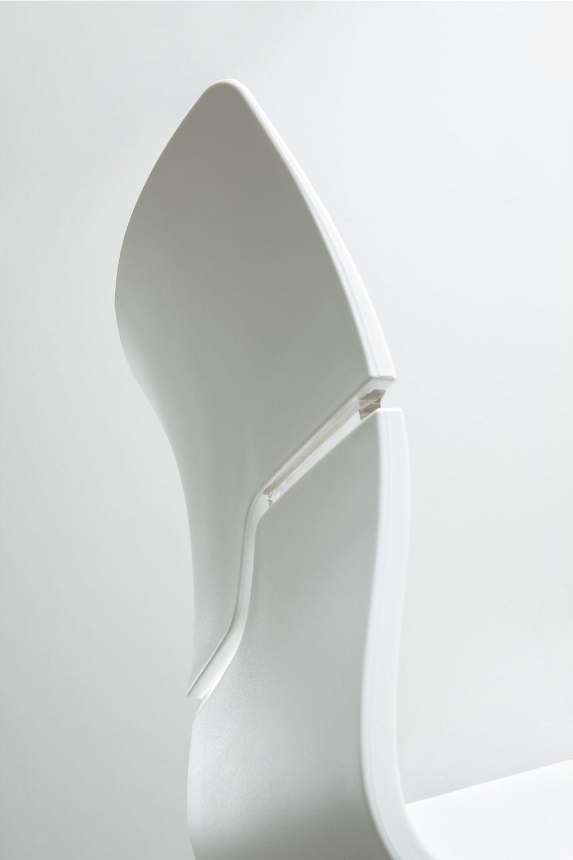 Slot s sgabello di design in metallo e tecnopolimero for Design dello spazio esterno