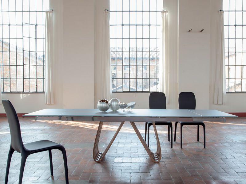 Arpa 8002 tavolo allungabile tonin casa in legno con piano vetro diverse finiture e misure - Tavolo con sedie diverse ...