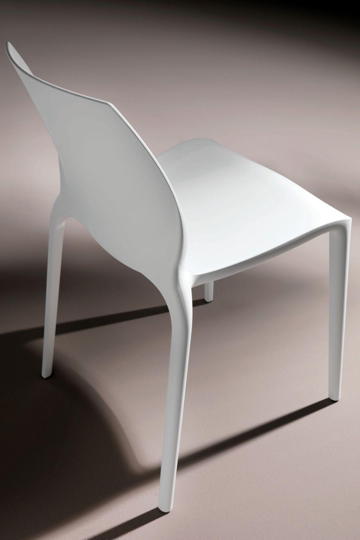 hidra chaise empilable de bontempi casa en polypropyl ne disponible en plusieurs couleurs. Black Bedroom Furniture Sets. Home Design Ideas