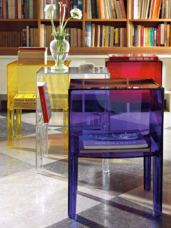 small ghost buster table de nuit kartell en diff rentes couleurs. Black Bedroom Furniture Sets. Home Design Ideas