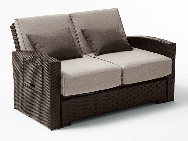 Rig64 divano letto 2 posti rivestito in rattan for Divano rattan